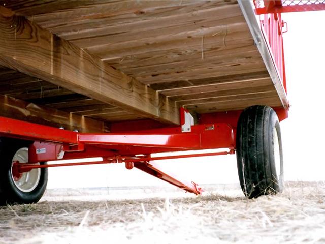 E-Z Trail Farm Wagons | Arthur, IL | Products | Bale Wagons